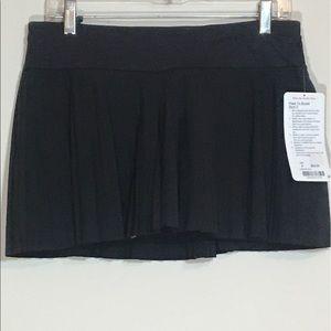 Black LuluLemon Pleat to Street Skirt 8 NWT